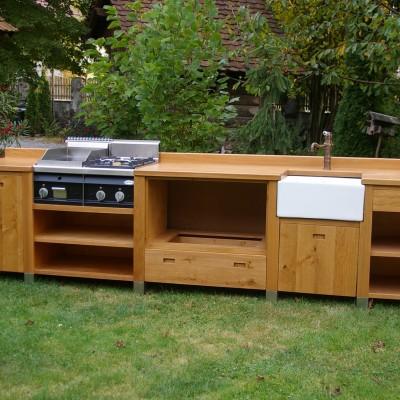 masivna moderna letna kuhinja, modern outdoor kitchen